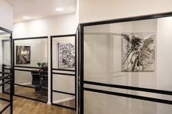מסדרון עם פרטי אמנות