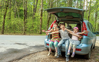 family-road-trip-dreamstime_s_71882244.j