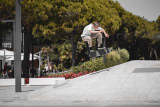 Lukas Kolasowski _ Nollie Bs Flip
