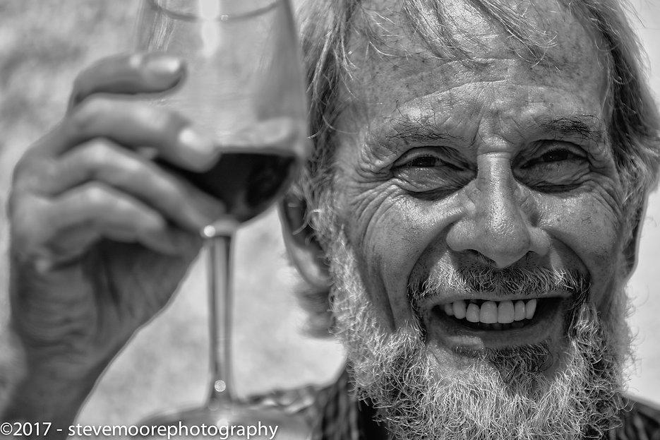 Man wine glass - cheers black and white