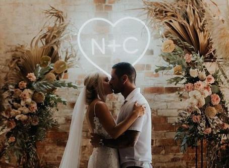 36 Trendy & Unique Wedding Signs