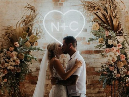 36 Trendy & Unique Wedding Signs