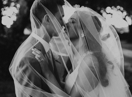 20 Creative Photography Ideas for the Bride and Groom