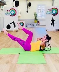 Tracy Dixon Pilates Single Leg Stretch.j