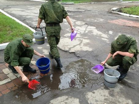 Квадратное – катать! Самые бессмысленные работы в армии