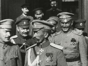 От большевиков до корниловцев: два путча на фоне мировой войны