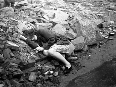 «Русские заберут еду и надругаются над женщинами!» Что немцы ждали от штурма Берлина?