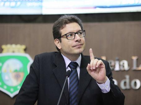 Deputado denuncia inconstitucionalidade e populismo penal em matéria sobre tornozeleiras no Ceará