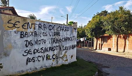 """Blog Escrivaninha: A difícil arte de ser """"neutro"""" em meio à guerra entre facções em Fortaleza"""