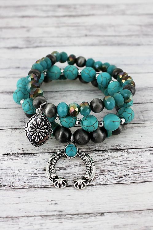 Naja Charm and Navajo Pearl Bracelet