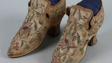 300 Years of Shoes, the collection - research