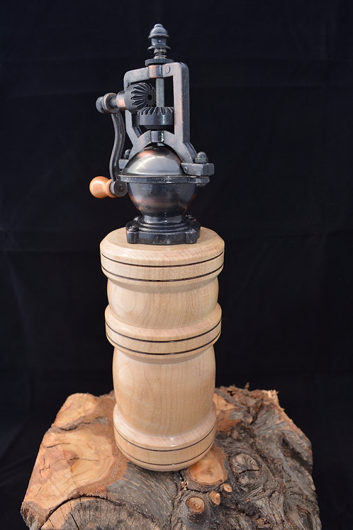 Handmade Maple Old Fashion Pepper Mill