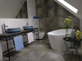 dom stodoła - łazienka piętro