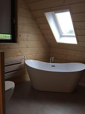 dom z bala - łazienka z wanną