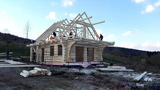 dom z bali - konstrukcja dachu
