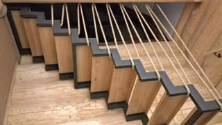 schody, poręcz ze sznura