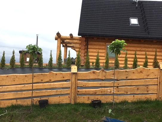 domy z bali - ogrodzenie drewniane