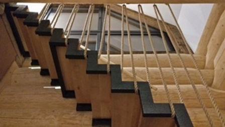 dom z bala - poręcz ze sznura