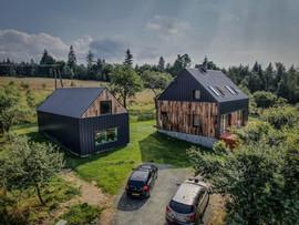 dom stodoła i domek dla gości