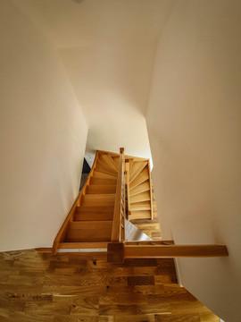 dom stodoła - klatka schodowa