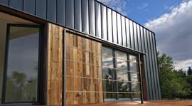 dom stodoła - elewacja