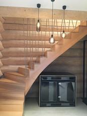 dom z bali - schody drewniane