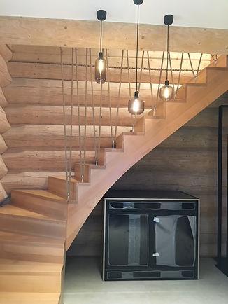 domy z bali - schody jesionowe