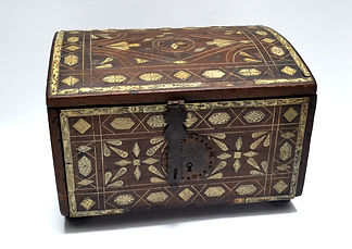 Colonial chest.JPG