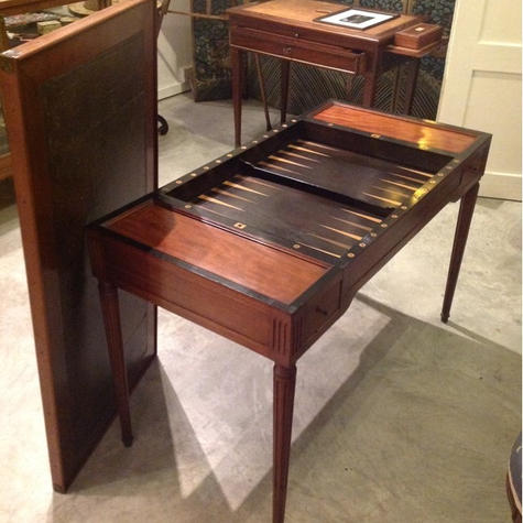 A French Game Table