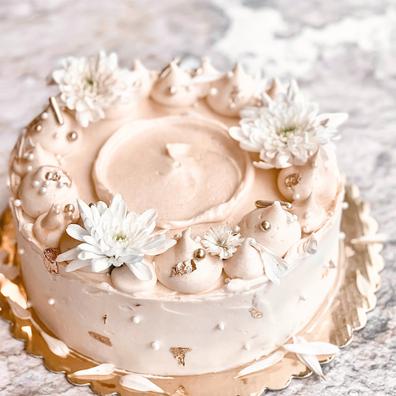 Golden Lemon & Elderflower Cake