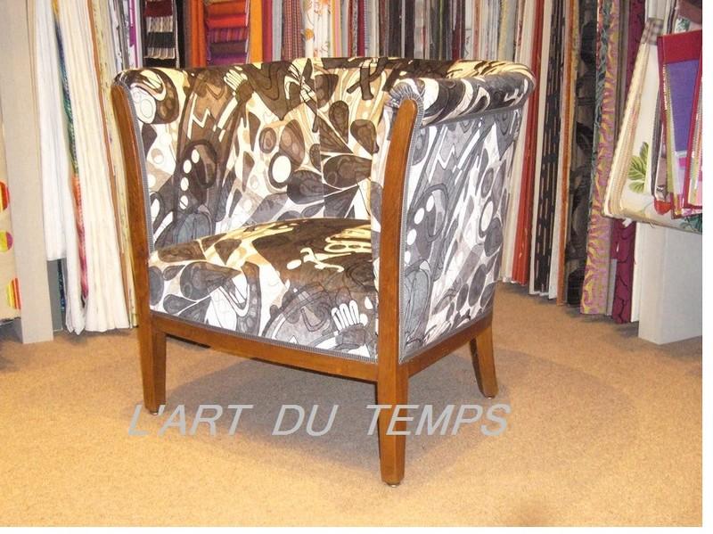 Fauteuil 1930 recouvert de tissu POP ART  CASAL