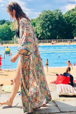 Maxi Kimono: Pale Paisley