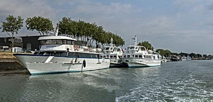 Q 09 France Britany trip.jpg