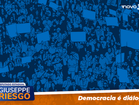 Democracia é diálogo