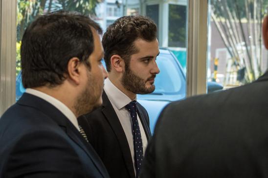 Giuseppe Riesgo protocolando pedido de r
