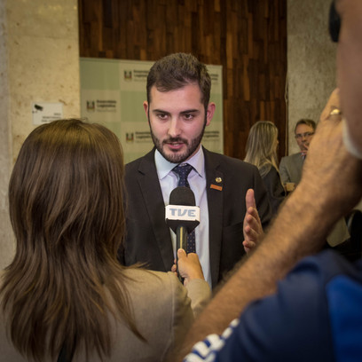 Giuseppe Riesgo em entrevista à TVE.jpg