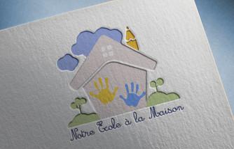Logo Notre ecole a la maison mockup.jpg