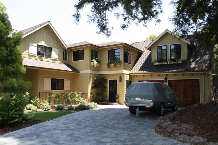 Home page-Exterior custom home.jpg