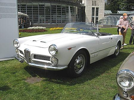 Alfa Romeo 2000 Sprint.jpeg