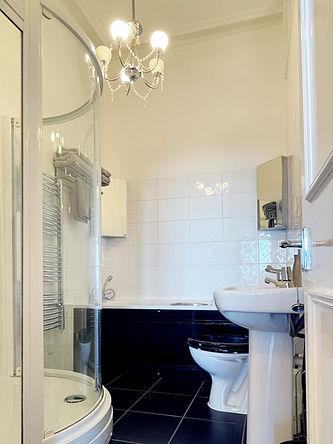 worthing Bathroom.jpg