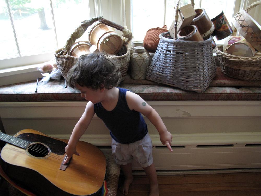 Betsy_The_Guitar.jpg