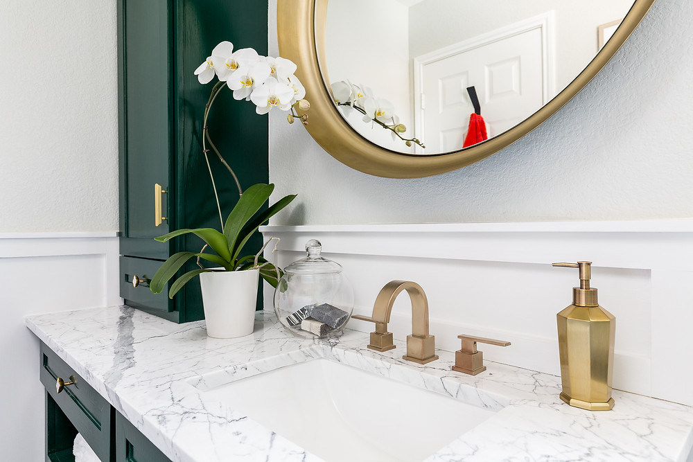 Guest Bathroom Makeover For The One Room Challenge