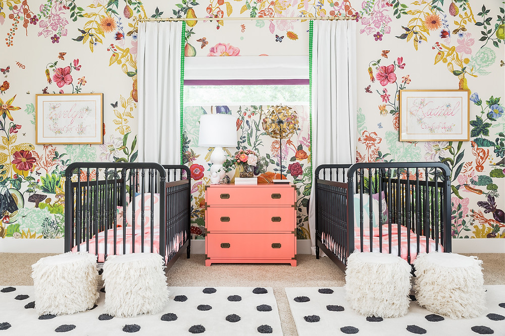 Baby+Nursery+With+Bold+Wallpaper
