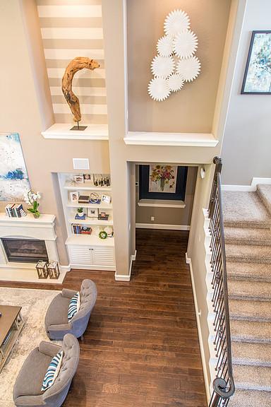 casaual living room, stripe walls