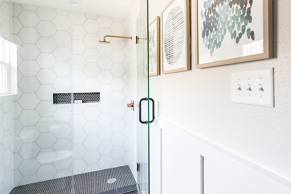 Guest Bathroom Makeover for One Room Challenge