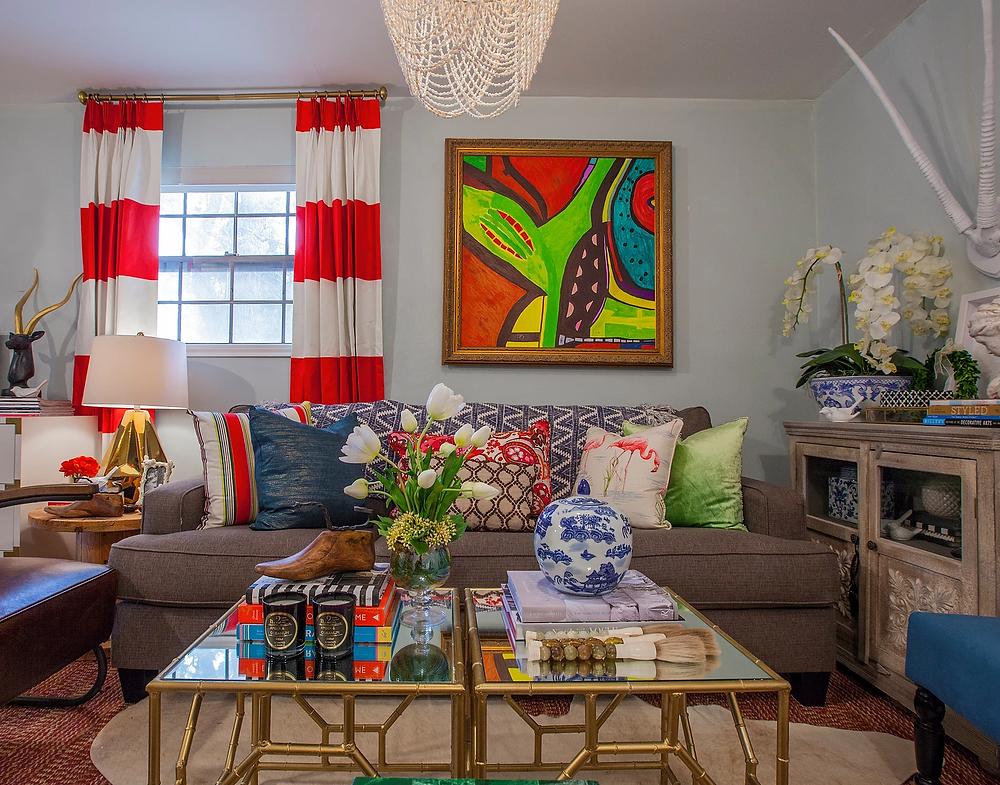 Studio Apartment With Bold Stripe Draperies
