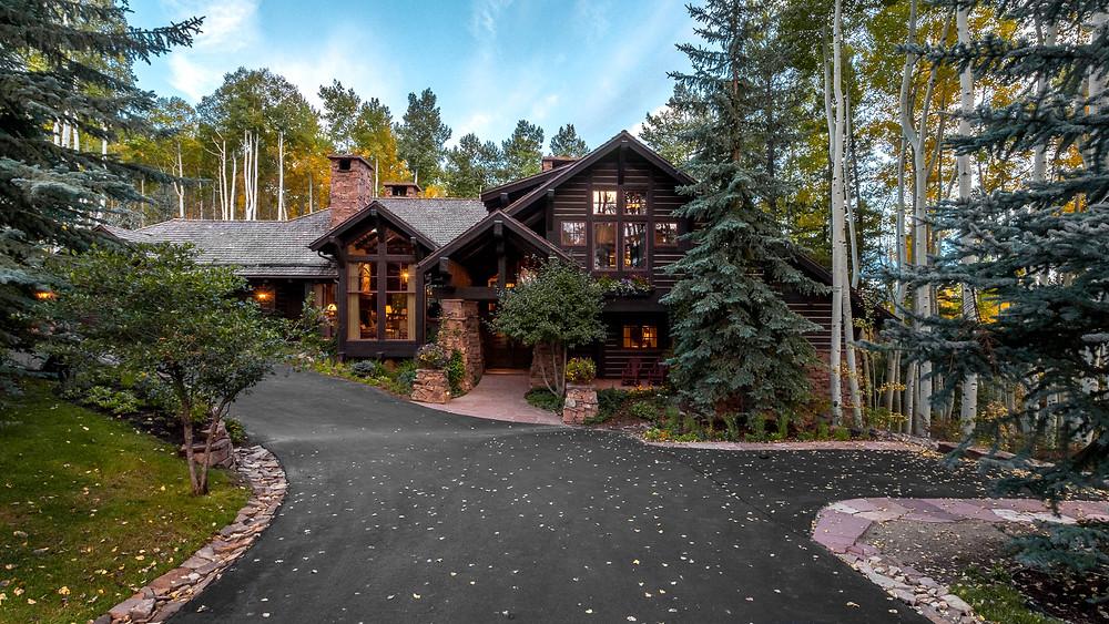 Modern lakehouse by Tom Stringer