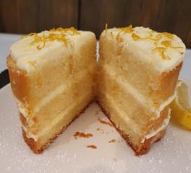Zitronenkuchen mit Lemoncurd-Creme