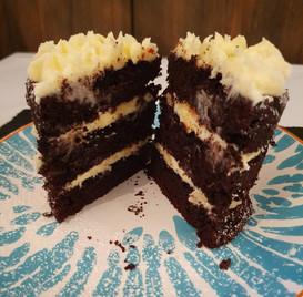 Schokoladenkuchen mit Frischkäse-Buttercreme
