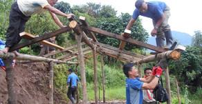 August 2015   Bau temporärer Unterkünfte für die Bevölkerung